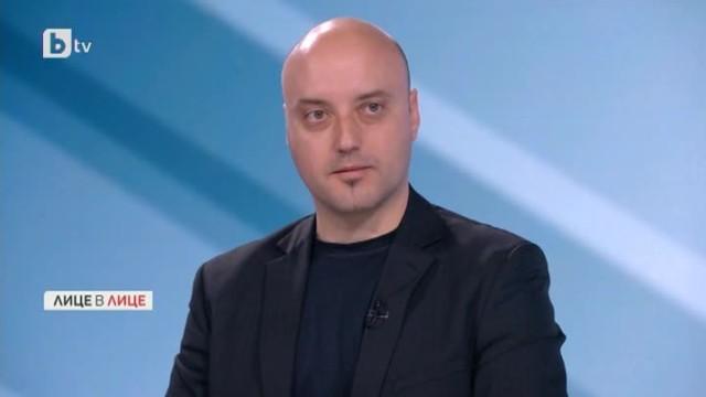Атанас Славов: На конституционен език извънредното положение е конституционна диктатура
