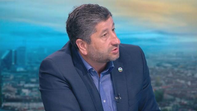 Христо Иванов: Борисов трябва да отговори защо НСО продължава да охранява Доган и Пеевски