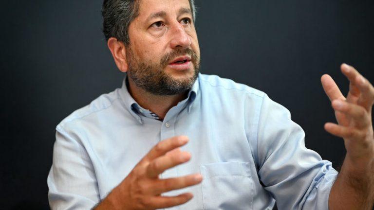Христо Иванов: Имаме много малко време да организираме съпротива
