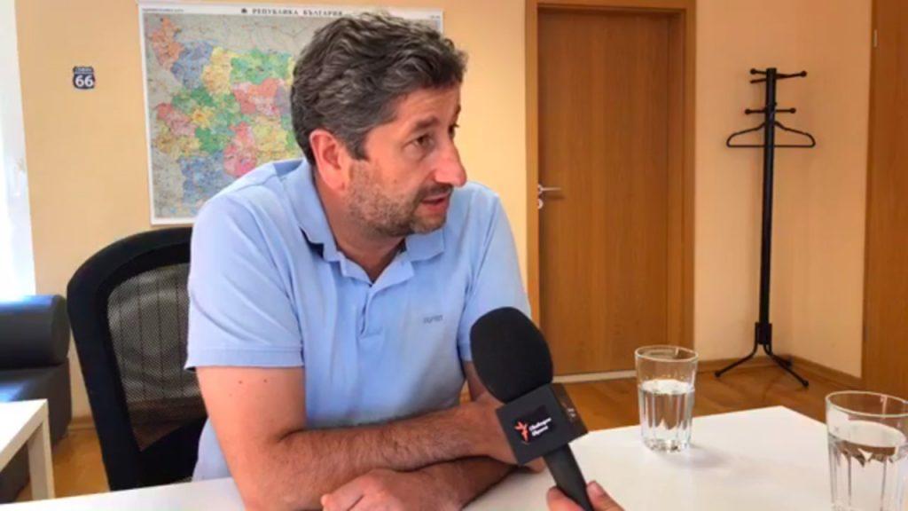 Полина Паунова разговаря с Христо Иванов