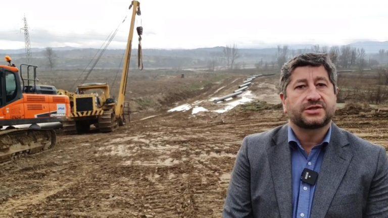 """Докато Борисов обслужва """"Руски поток"""", интерконекторът с Гърция си стои на трупчета..."""