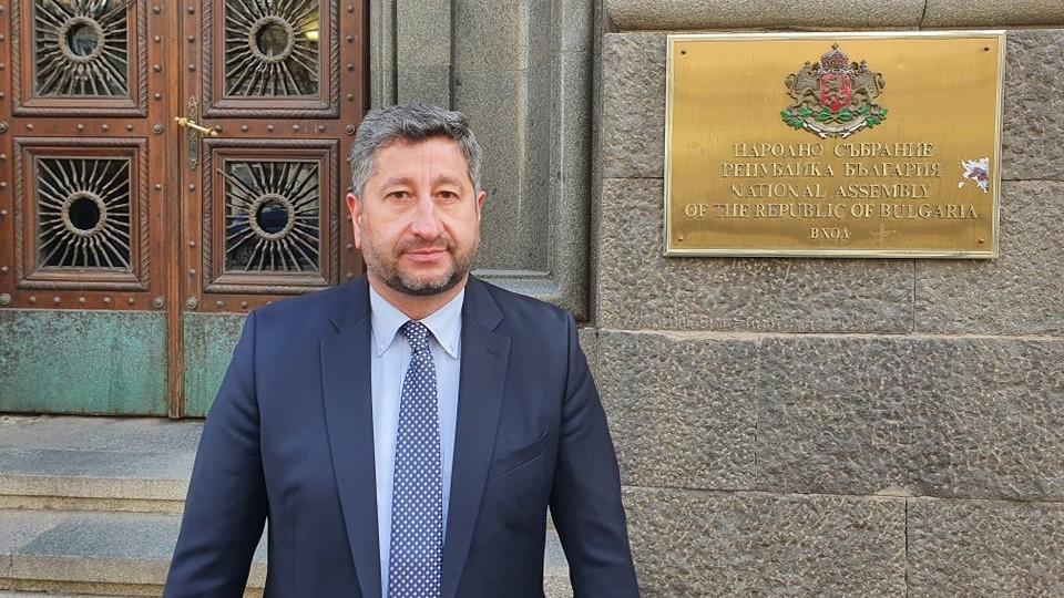 Христо Иванов към депутатите: Погрижете се за избирателите, не за корупционния данък за Доган