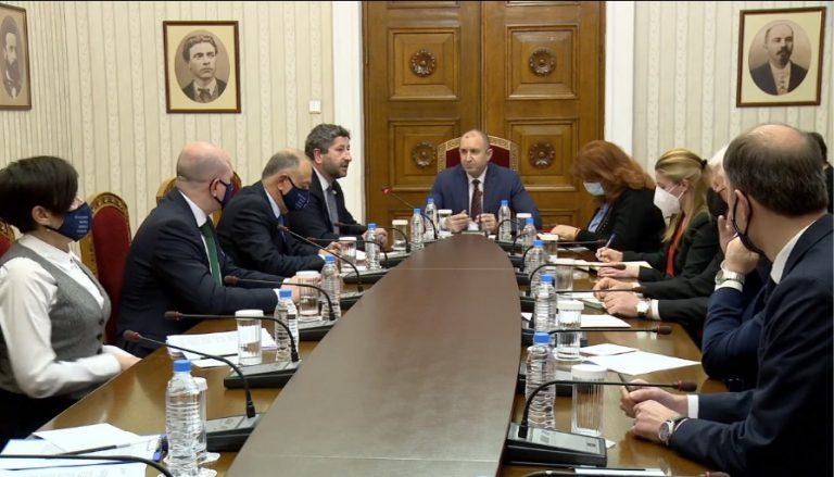 Среща при президента за организацията на предстоящите избори