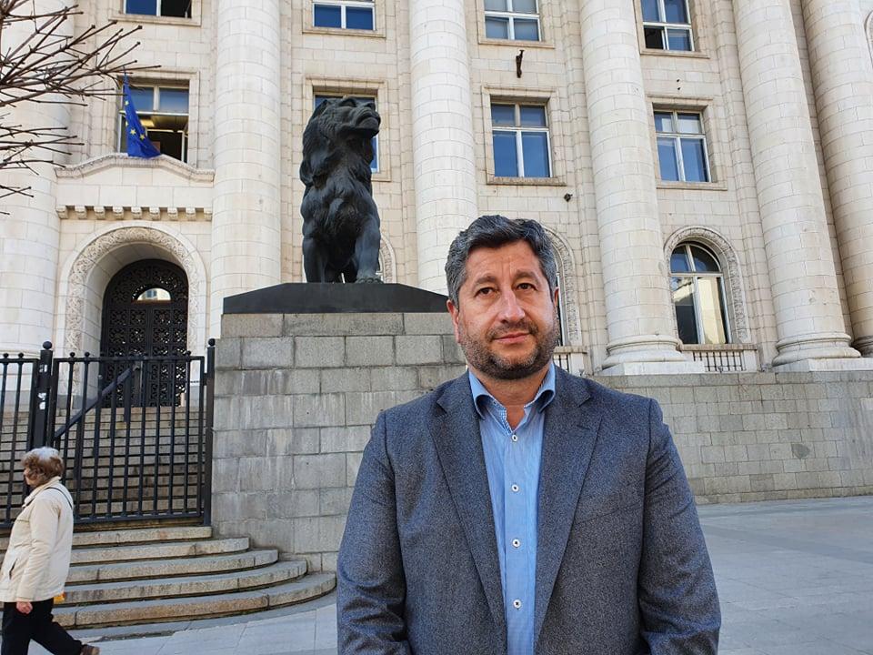 Христо Иванов обжалва отказа на прокуратурата да разследва записите с Борисов