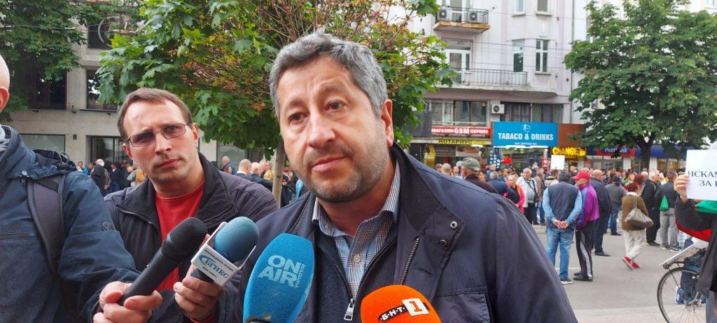 Христо Иванов: Санкциите срещу Пеевски и Божков са присъда за прокуратурата