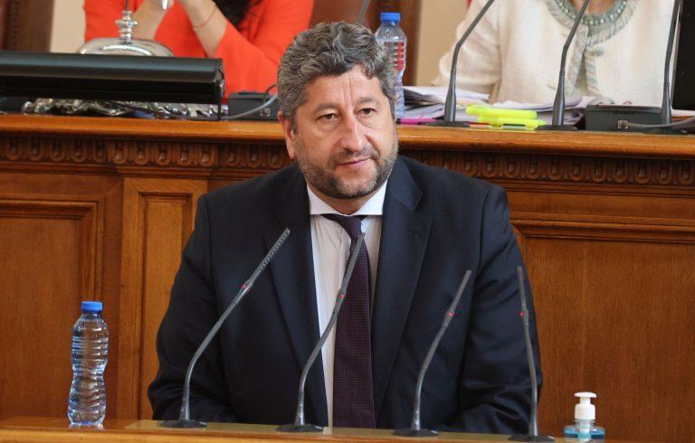 Христо Иванов: Ще ни се наложи да се научим да бъдем съизмерими и смирени, и да търсим сечение на интереси